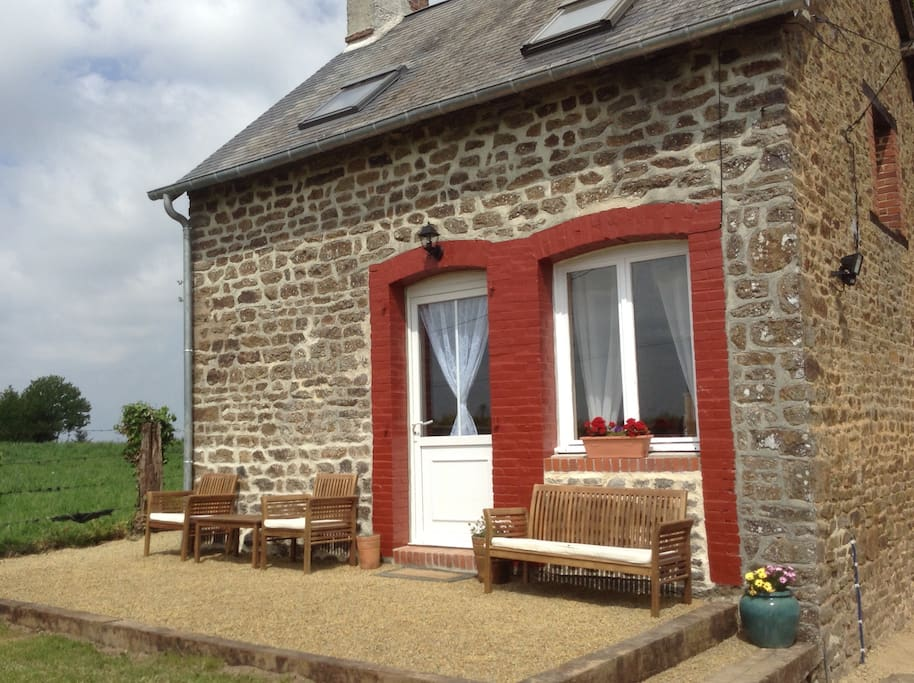 Cosy 3 bedroom cottage with hot tub
