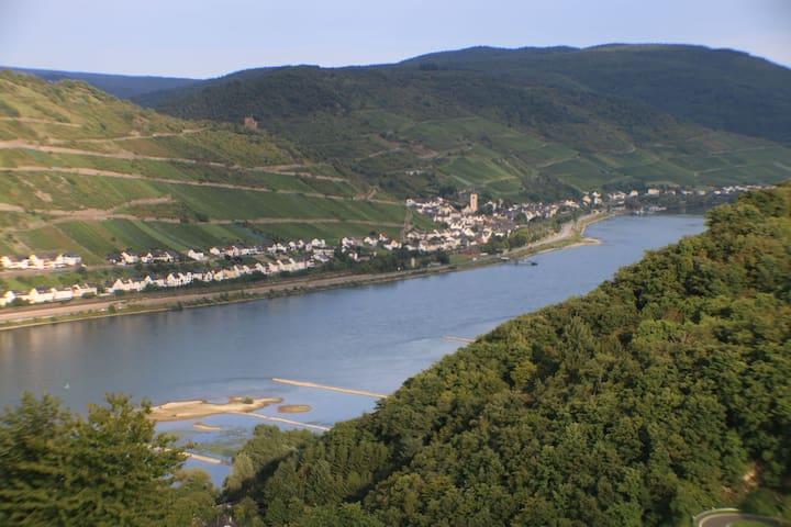 Entspannen mit Rheinblick oberhalb von Bacharach