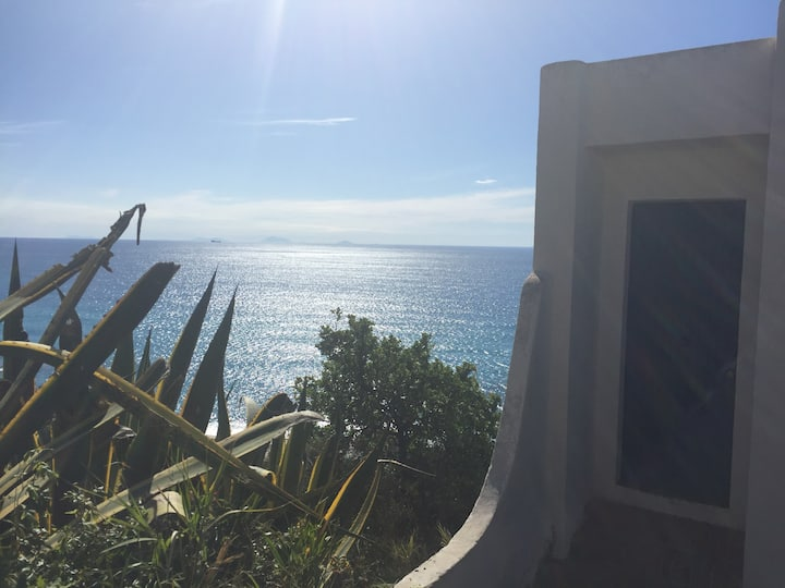 Studio with sea view and private beach access