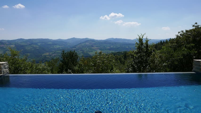 Villa with view and pool.