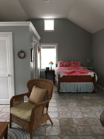 Romantic Guest Cottage 2 Blocks to Ellicottville - Ellicottville