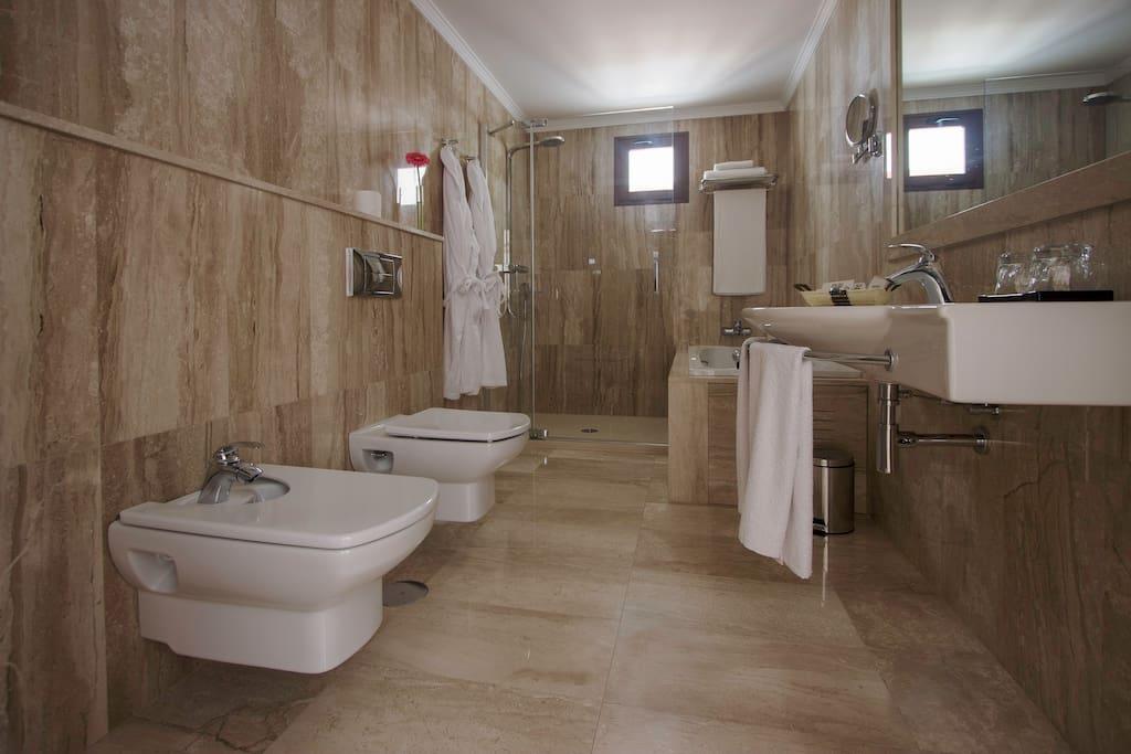 Baño Habitación Grand Suite Deluxe