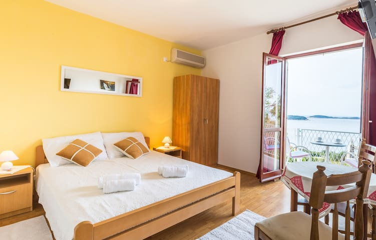 Guest House Račić/Room no1 - Plat - Appartamento