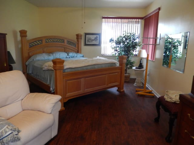 Large Comfortable room