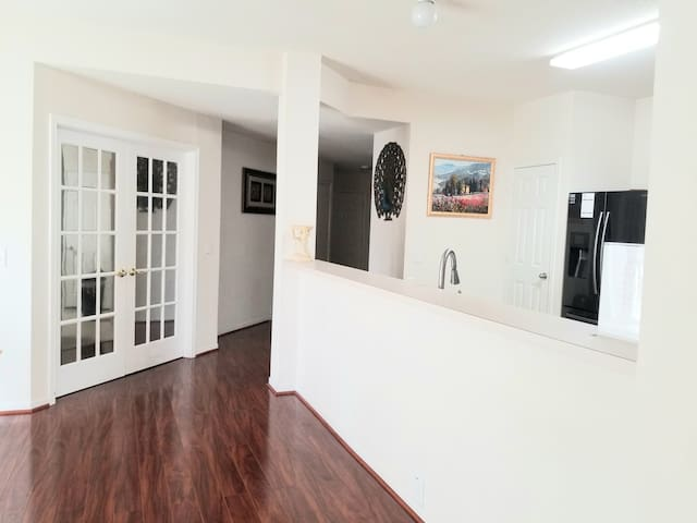 Cozy Home in Spring, TX! Entire Home 1-8 Guests