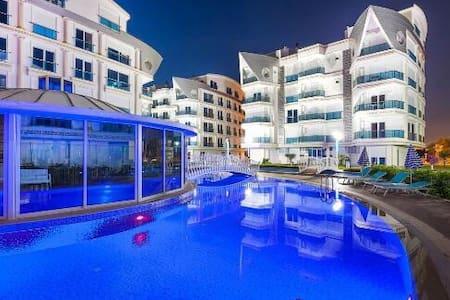 Отдельная 2 ком квартира от хозяина - Antalya - Pis