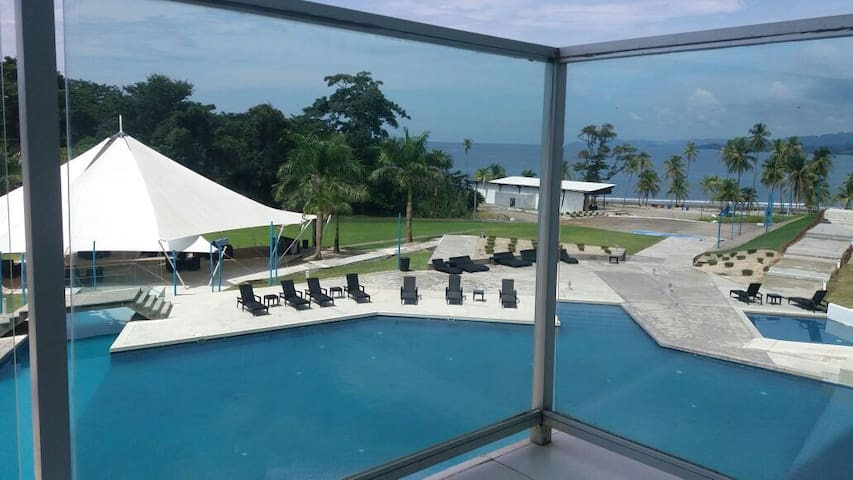 Caribbean condo (2 bed / 2 bath) - Bala Beach