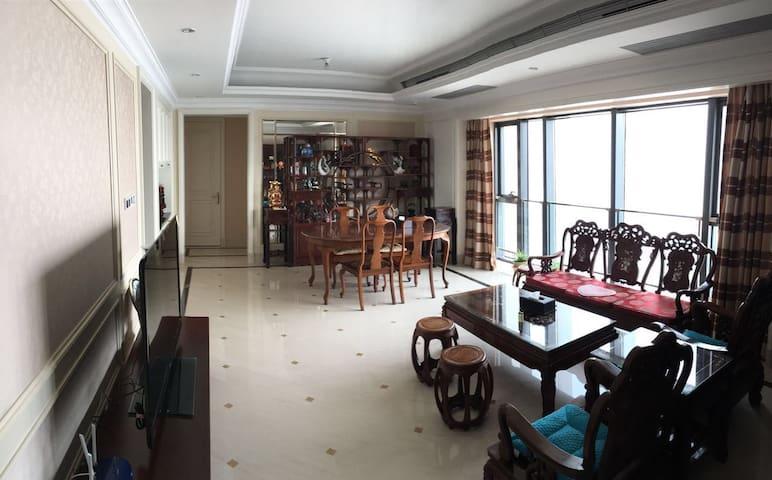 市中心海景和城市景高端公寓-万象城 - 青岛 - Apartment