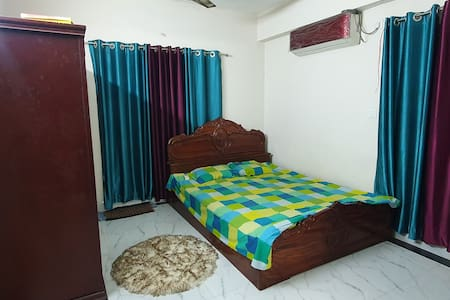 En-suite Room+Near Airport+Wifi@Uttara, Dhaka