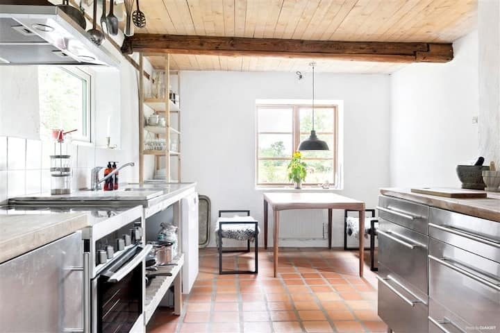 Artist's home in the heart of Söderslätt