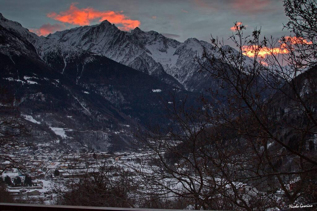 l' alba e il panorama  ammirati dalle camere di villa Amaranta