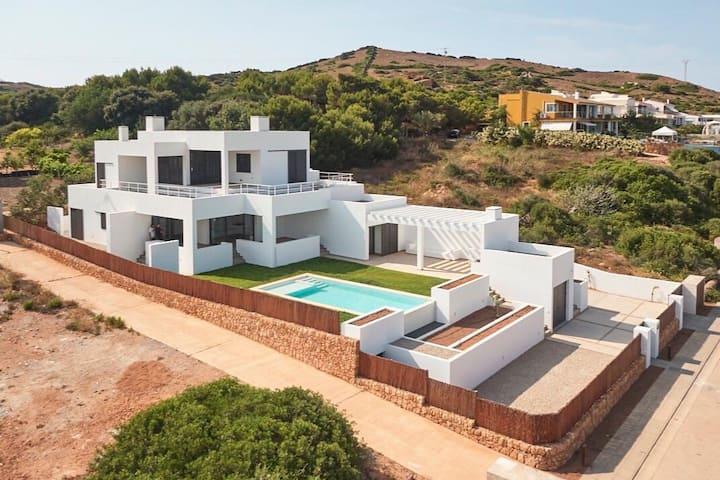 Charming seafront villa in Menorca