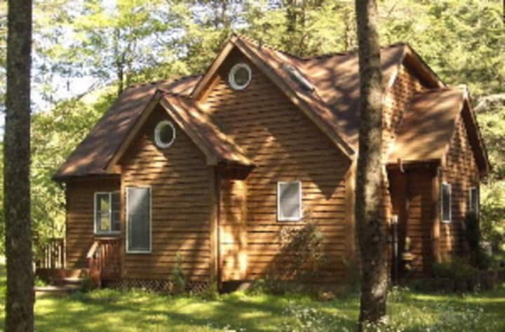 Mountain Magic Happy House