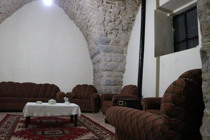 Barouk old guest house