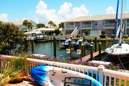 Waterfront Apartment with Boat Dock