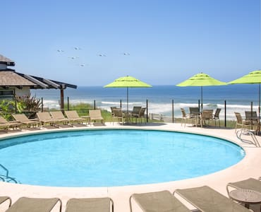 1 Bedroom Condo at Wave Crest Resort