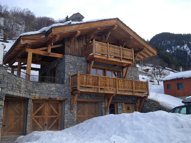 Luxury small chalet in french alps chalets for rent in for Small luxury cabin