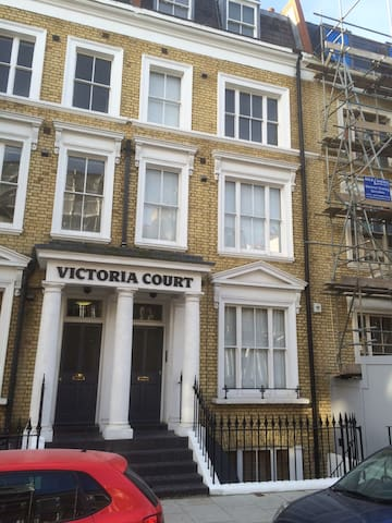 Stunning 2bed/bath In Earls Court, zone 1 - Londra - Appartamento
