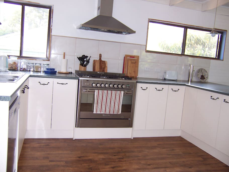 Kitchen for whole house or Unit 3 bookings
