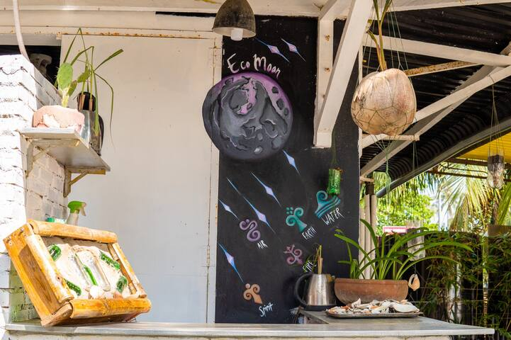 Eco Moon Upcycle Guest House @ Mui Ne Hai