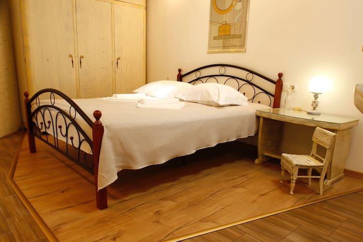 Villa Sofia - Lavender room