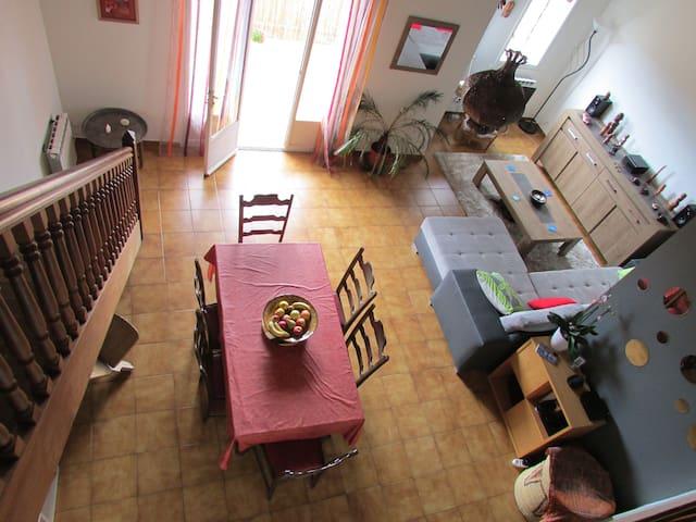 Maison coeur de village entre Béziers et Pezenas. - Servian - Leilighet