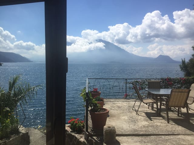 Lake Atitlan Villa 1 Acre Lake Front Private Cove - Lake Atitlán - บ้าน