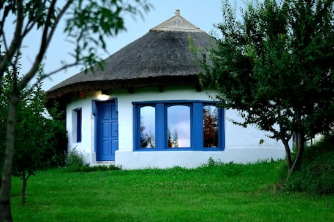 Natural & Relaxing House, by the Lake, near Therme