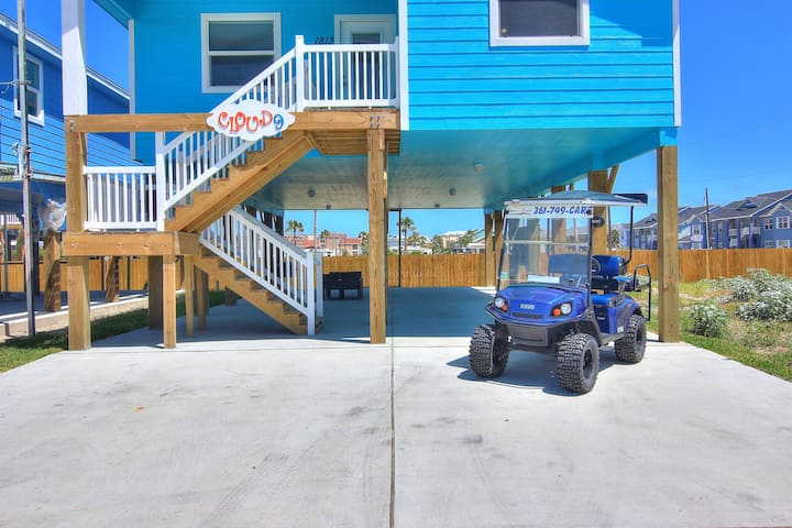 Cloud 9: Free Golf Cart, Close to Town, TV's in Every Room