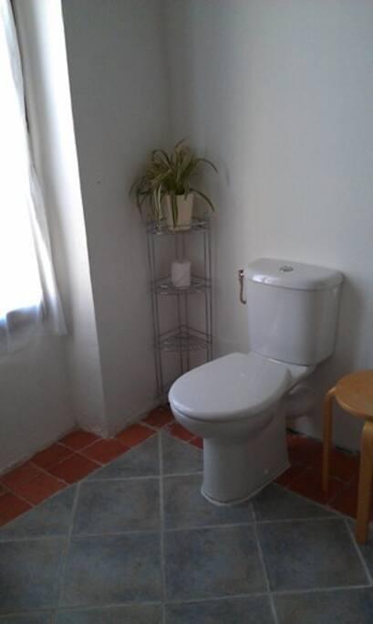 Ensuite bathroom, left side