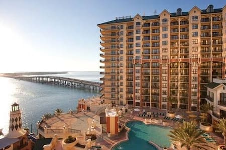 WVR Ocean Harbor View - Luxury Condo by Beach - Дестин