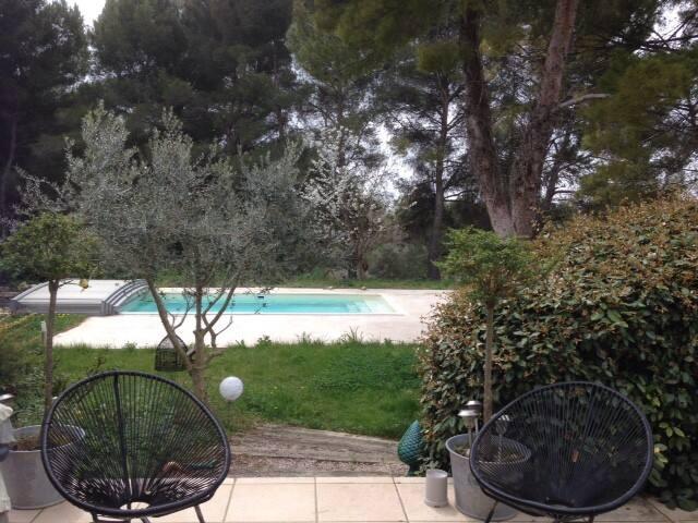 Maisonette de charme, calme près d'Aix-en-Provence - Éguilles - Casa