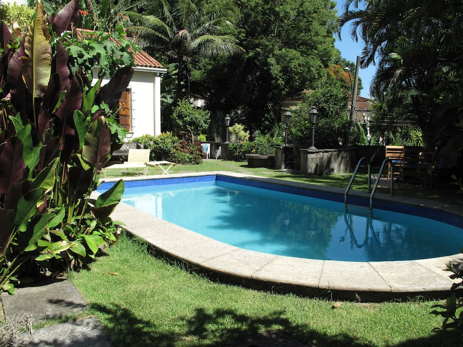 Swimming pool, for daytime use until 20h00 in the evening.
