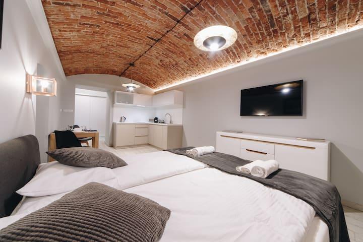Platan Apartments - Studencka 25 Street