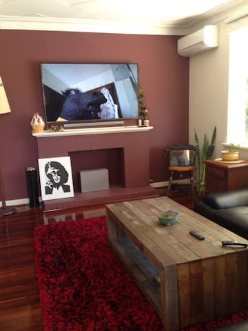 Charming spot! Walkable to leedy! - West Leederville - Haus
