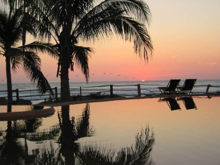 Casa Viva Troncones: Casita Cuadrada & Ocean View