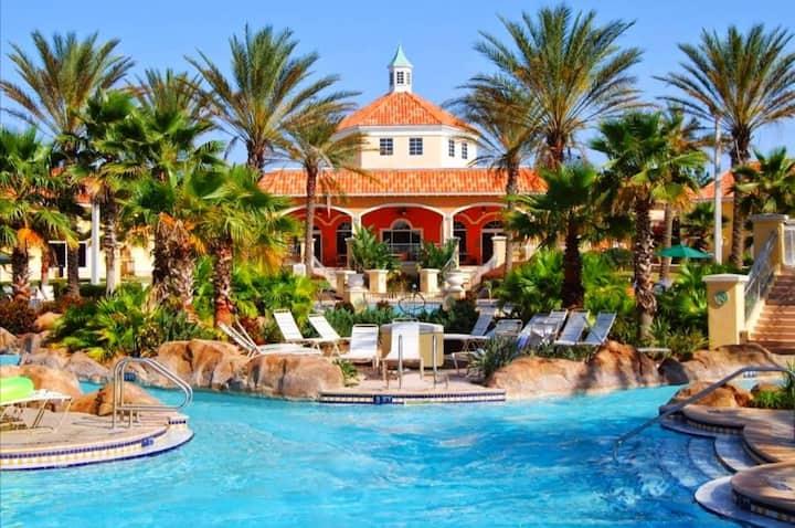 Three-Bedroom Townhouse At Regal Palms Resort!