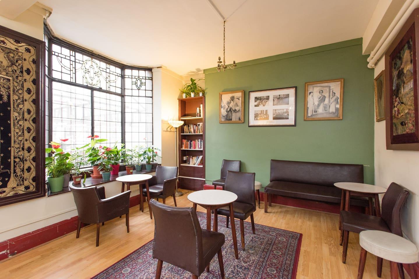 Breakfast room (continental breakfast included)