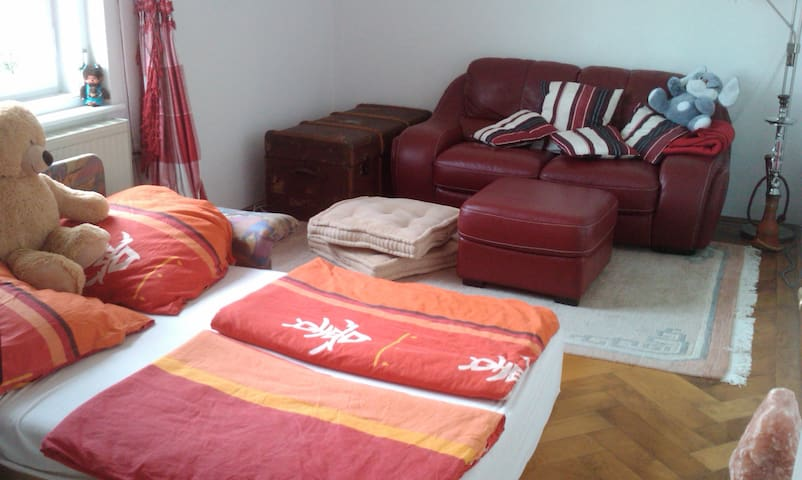 sch ne altbau wohnung mit flair wohnungen zur miete in m nchen bayern deutschland. Black Bedroom Furniture Sets. Home Design Ideas