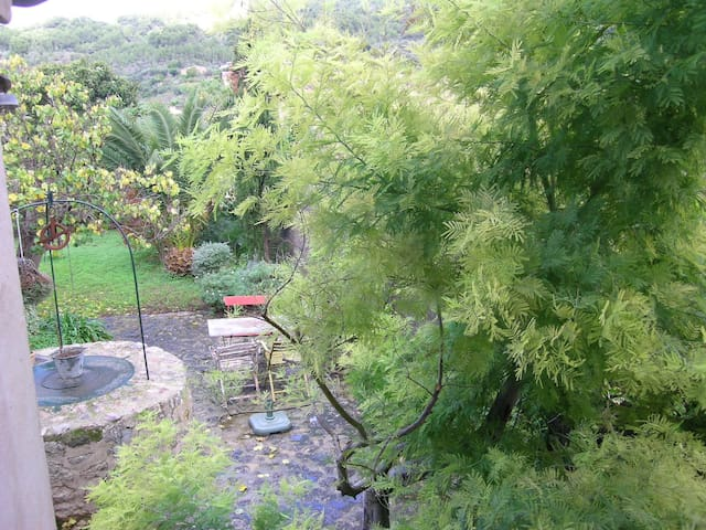 Beautiful quiet cottage with garden - Sóller - House