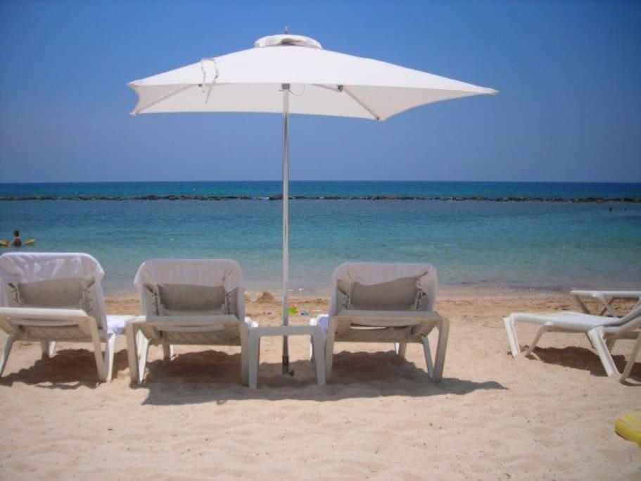 Minitas beach.