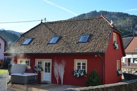 Doller Cottage****, Hot Tub, Ski Resort