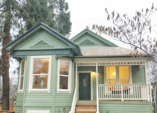 Stunning, Historic, Sutter Creekside Home! - Sutter Creek - Dom