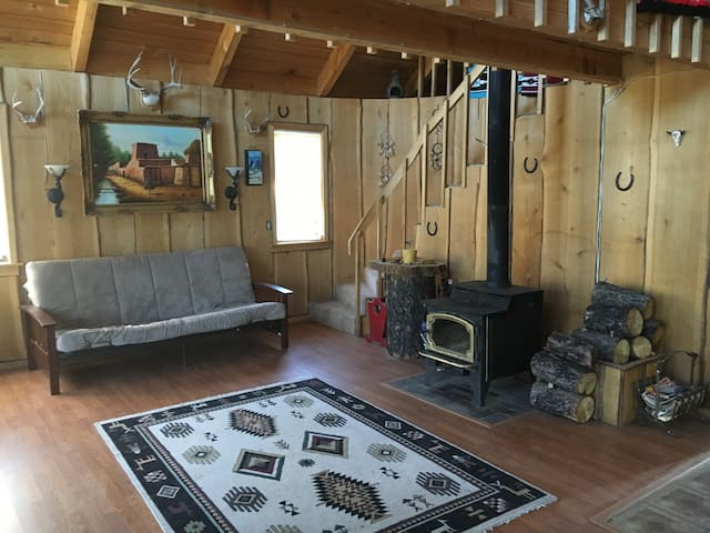 Cozy Cabin - 20 minutes away from downtown Chelan