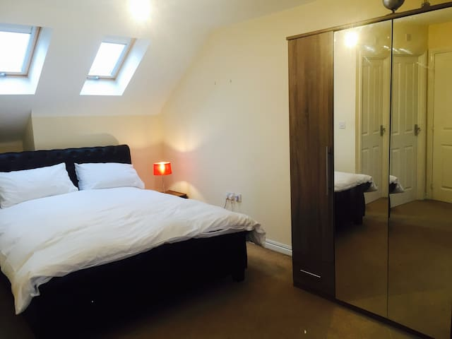 Bedroom with Ensuite by Cheshire Oaks