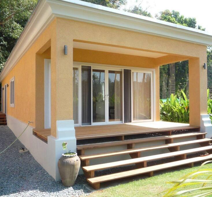 Hausansicht / House Entrance