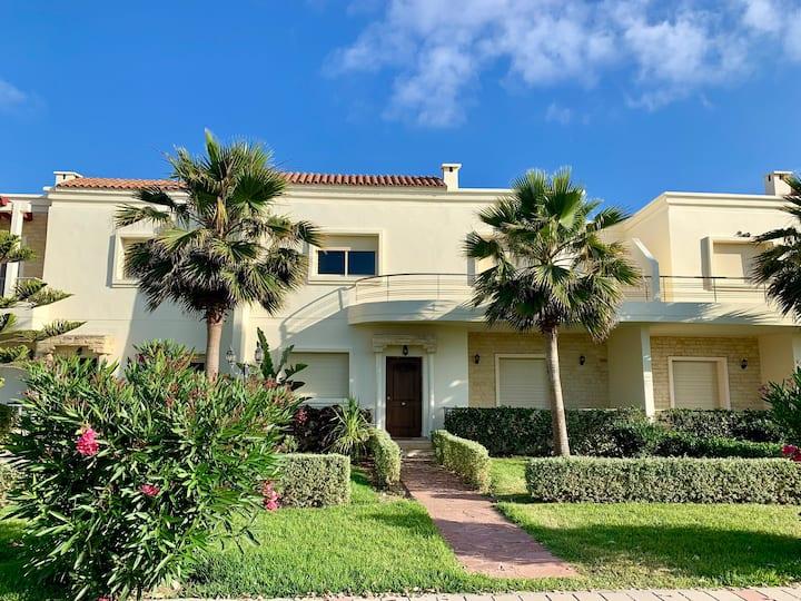 Charmante villa à Savannah beach, sidi rahal