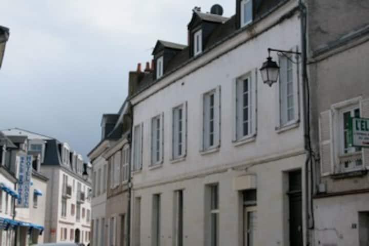 Chateau Chaptal-2 BR apt in Amboise