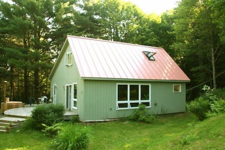 Vermont Cabin in The Woods w/Welcome Cannabis Pack