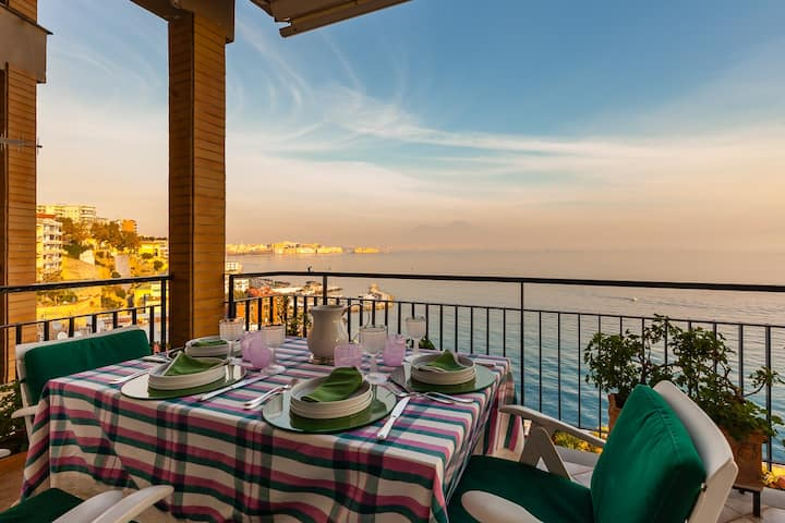 Wonderful and panoramic apartment at Posillipo